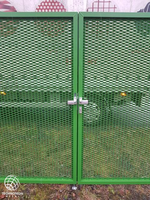 Dvoukřídlá brána bez pohonu s tahokovem