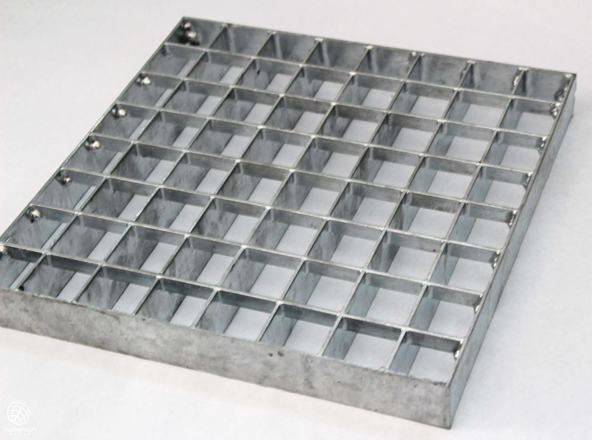 Rošt - P - lisovaný - ocel, žárový zinek / 33 x 33 / 30 x 2 / 1000x1000 mm