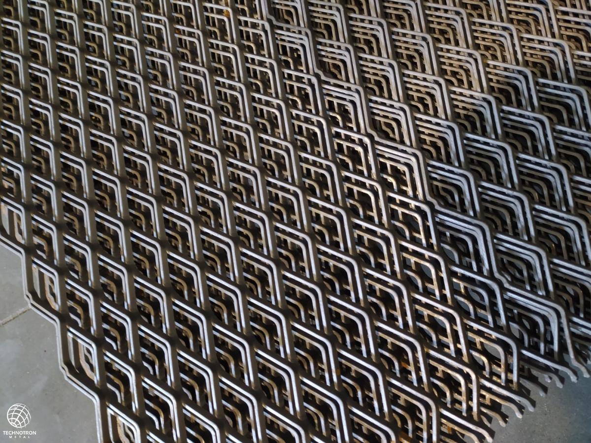 TR 62,5 x 30 x 5 mm, 2,5x2135x675 mm, tahokov z ocelového plechu