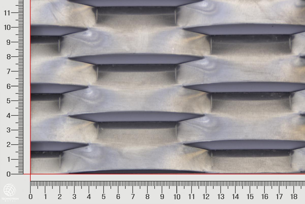 Tahokov Born 1968   TH 160 x 40 x 18 x  2 mm, tahokov z hliníkového plechu ENAW1050
