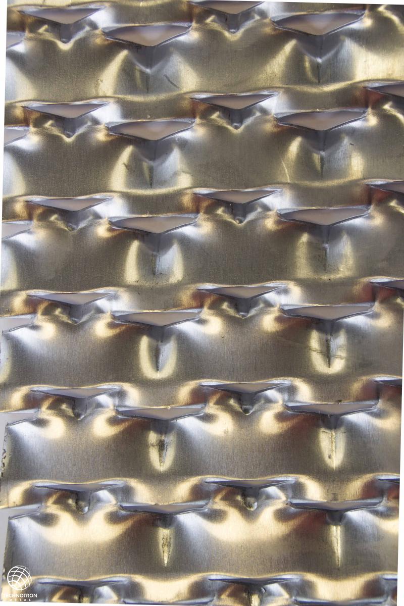Tahokov Mirek  TD 62,5x 35x 25+8 mm, tloušťka 2 mm, tahokov z hliníkového plechu ENAW1050