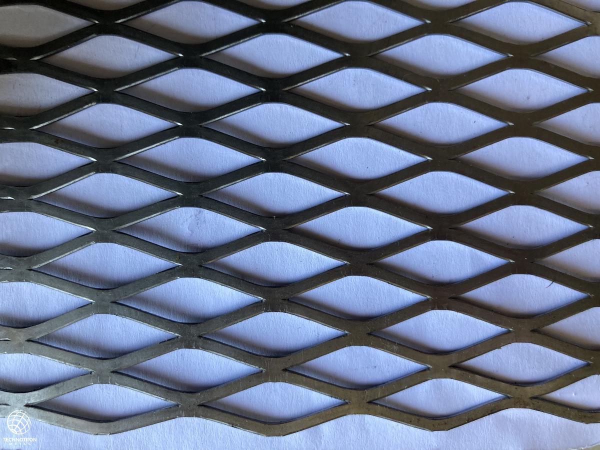 Tahokov FR 38,1 x 16,93 x 3,08 x 1,6 mm, válcovaný  tahokov z ocelového plechu DC01 - DC05