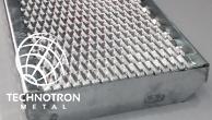 Schodišťový stupeň Public - tahokovový - ocel, žárový zinek / 47x13x5x3 mm / 1000 x 270 mm