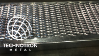 Schodišťový stupeň - tahokovový - ocel, žárový zinek / 62,5x15x5x3 mm / 600 x 240 mm
